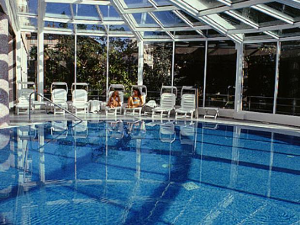 Hotel Milenij - bazen pod kupolom