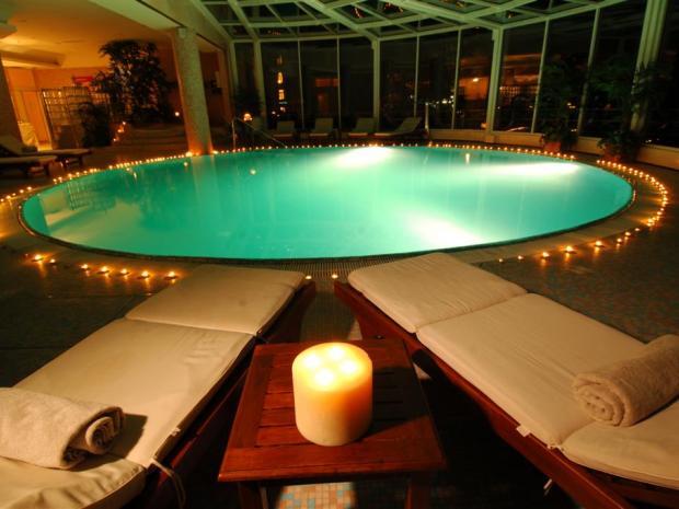 Hotel Milenij - bazen noću